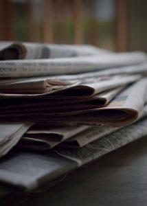 journaux by pexels-brotin-biswas